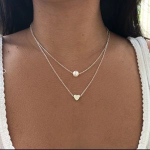 Jewelry - Silver Pearl heart necklace